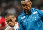 Jogador do Cruzeiro homenageia carrasco do Brasil ao escolher nome do filho