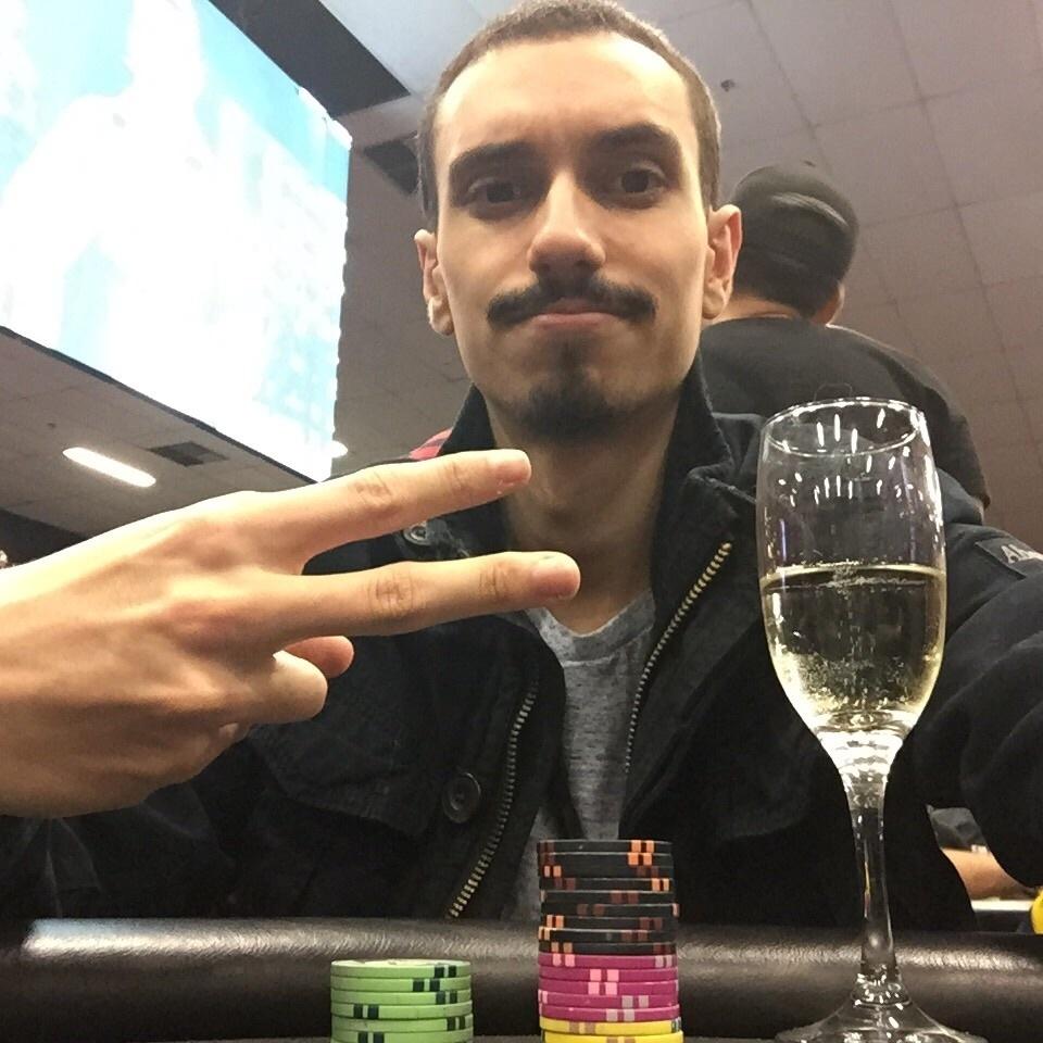 Guilherme Cardoso joga profissionalmente há 8 anos e já esteve em Las Vegas três vezes