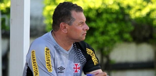 Celso Roth aguarda as movimentações do mercado para decidir seu novo clube