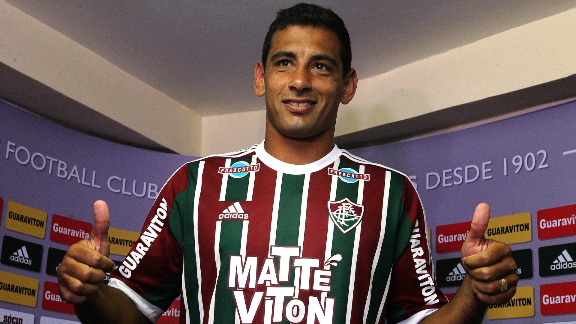 Diego Souza foi apresentado pelo Fluminense nesta terça-feira