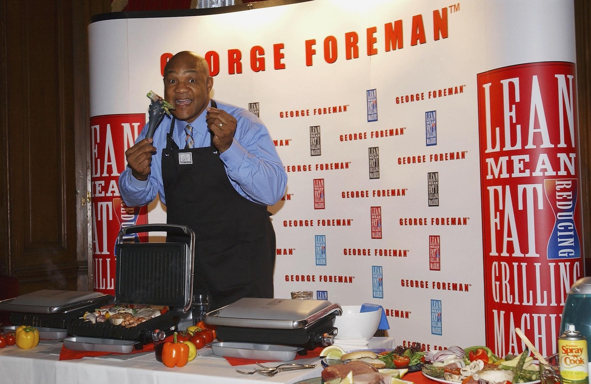 George Foreman durante lançamento de nova linha de seus grills
