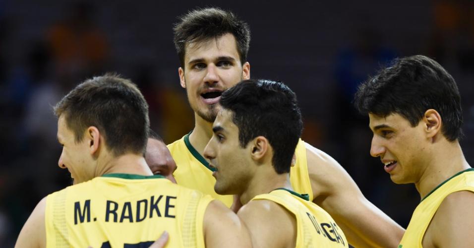 Renan pela seleção brasileira de vôlei nos Jogos Pan-Americanos de Toronto
