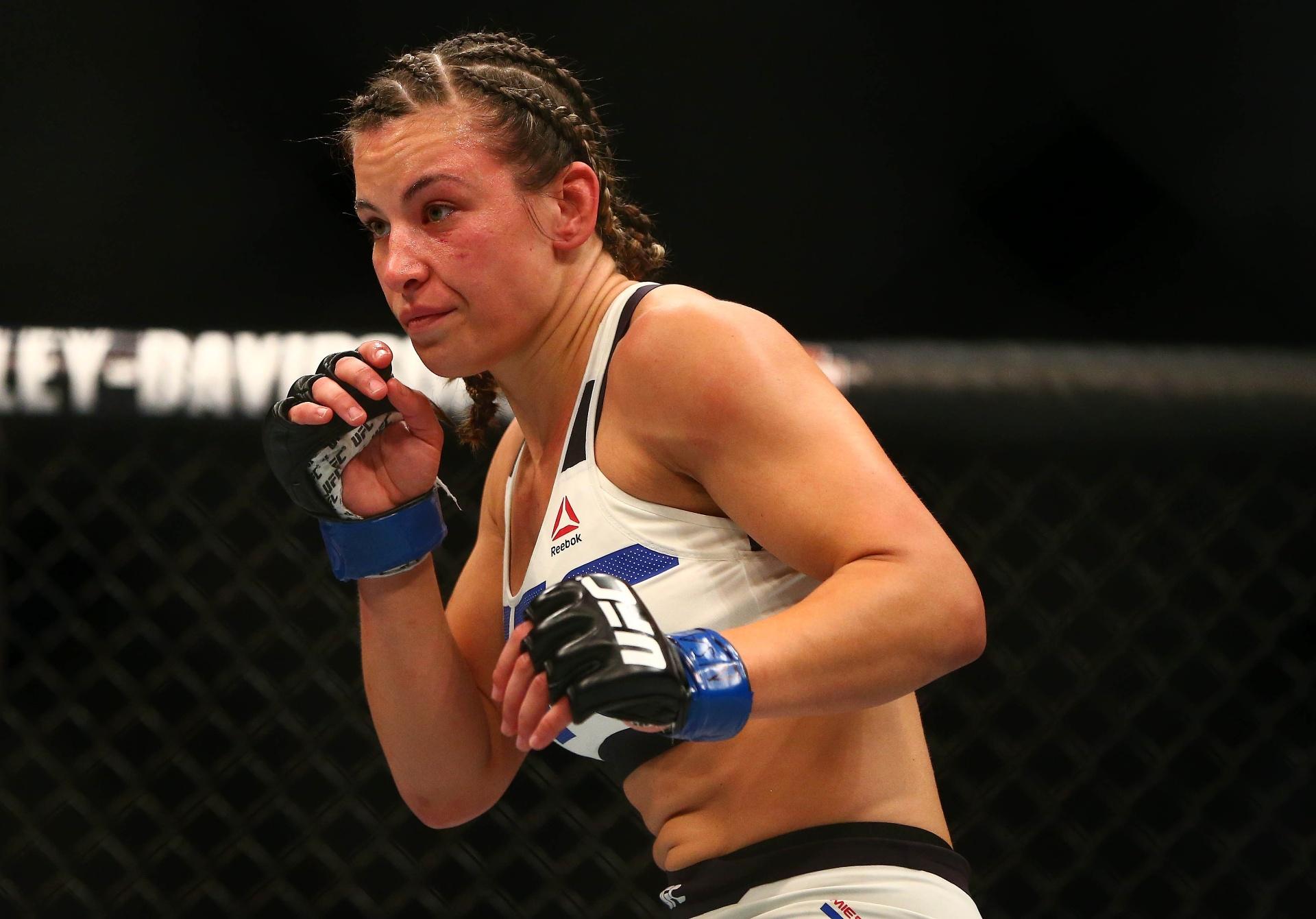 Miesha Tate em ação pelo UFC