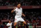 Ganso fica no banco, e Sevilla vence a 1ª com Sampaoli em jogo de 10 gols