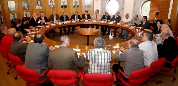 Novos vice-presidentes e diretores do São Paulo se reuniram nesta quinta