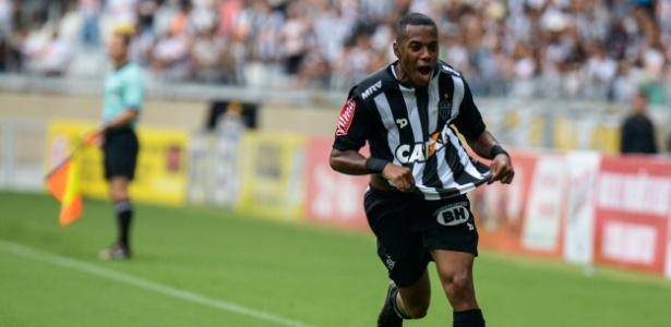 Robinho comemora gol pelo Atlético-MG, contra o Vila Nova, pelo Campeonato Mineiro