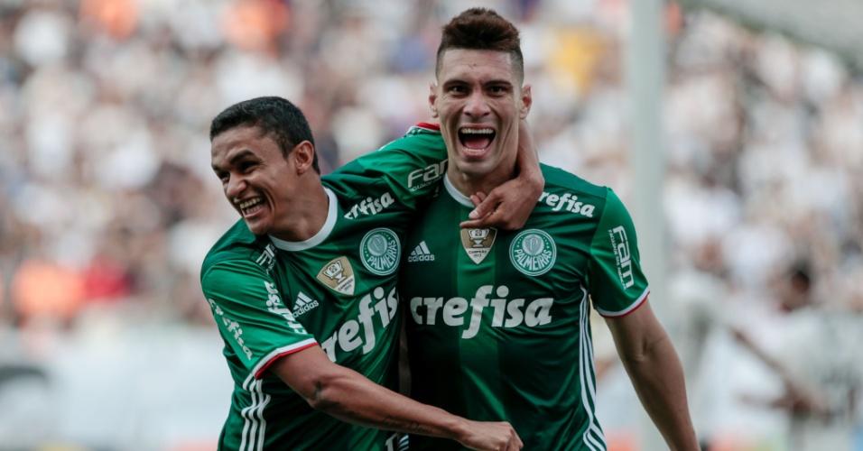 Moisés abre o placar para o Palmeiras na Arena Corinthians