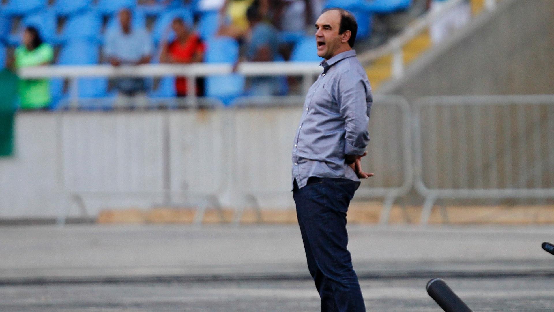O técnico Ricardo Gomes não teve uma boa estreia no Botafogo. Em jogo realizado no Engenhão, o time carioca empatou sem gols com o Luverdense