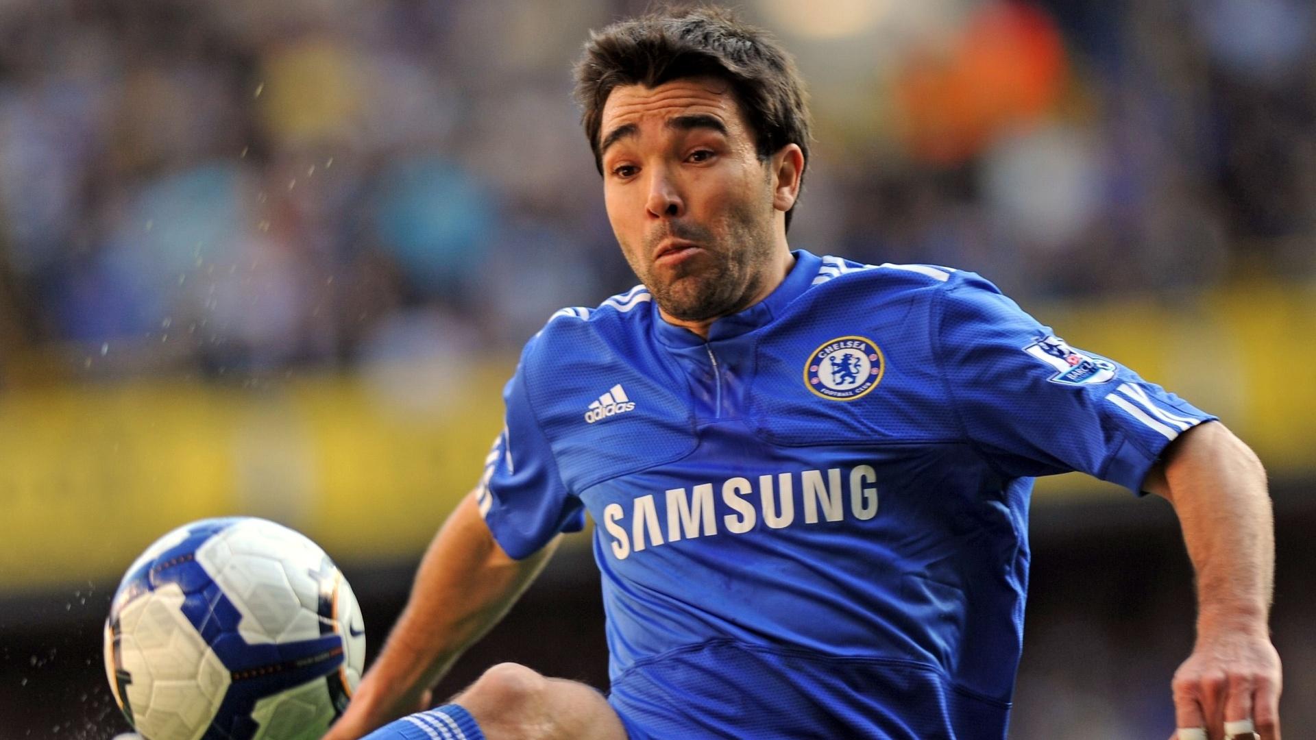 Deco em ação pelo Chelsea, após passagem pelo Barcelona