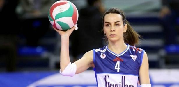 Alessia Ameri estreou no Hermaea Entu. Até os 28 anos, jogava em equipe masculina