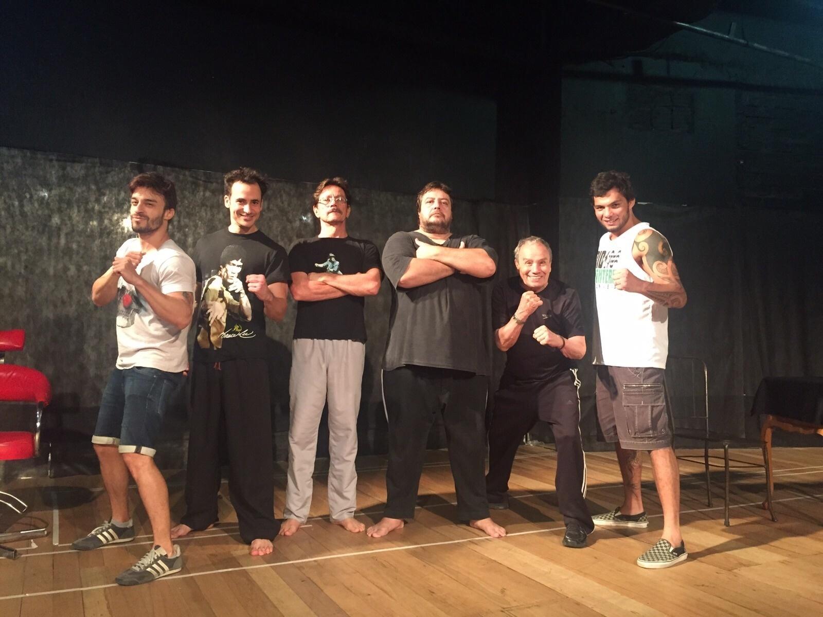 Stênio Garcia treina com Milton Vieira, ex-lutador do UFC, para interpreta lutador de MMA no teatro