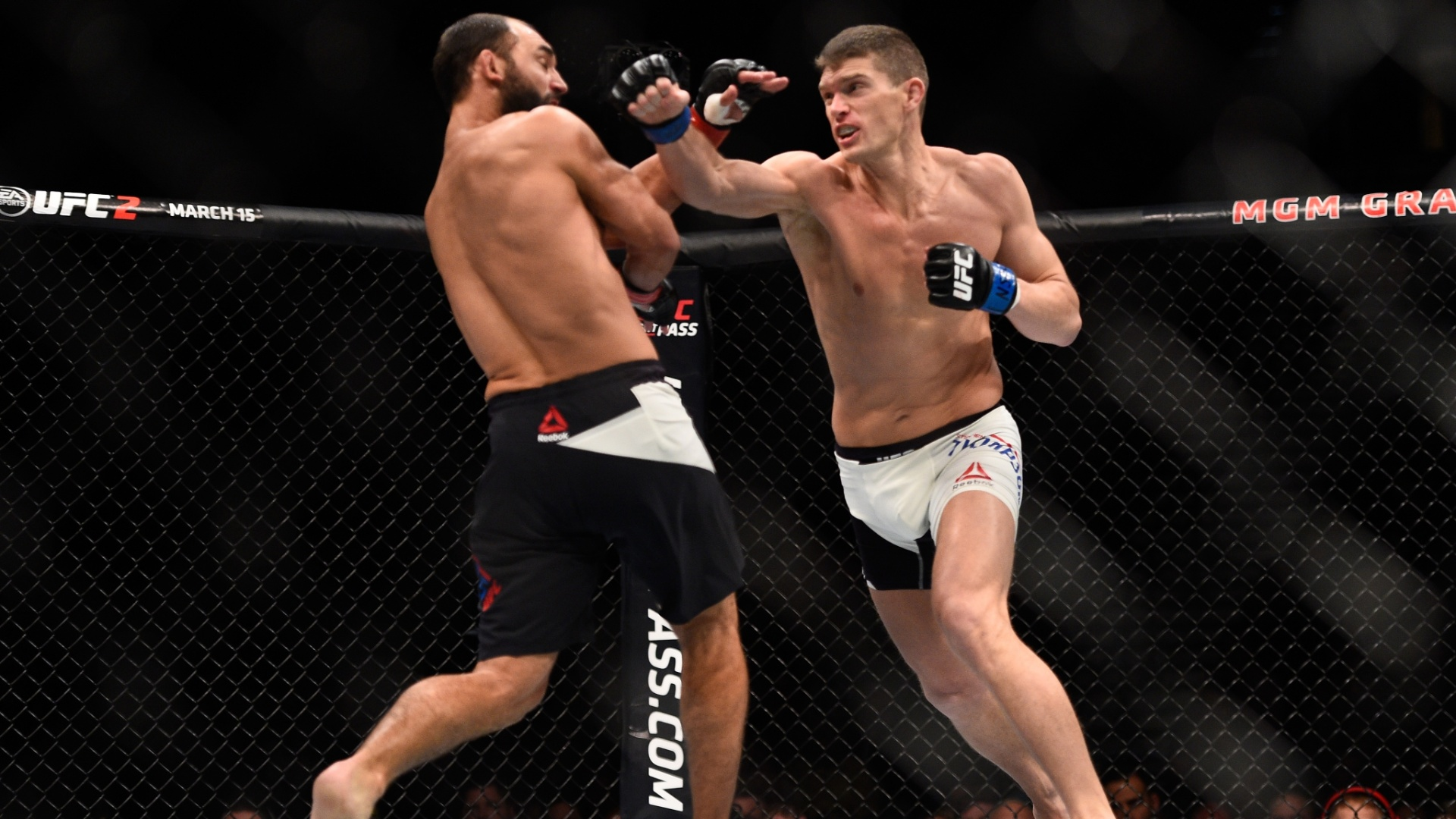Stephen Thompson nocateou Johny Hendricks na luta principal do UFC no último sábado (06/02/2016)