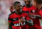 São Paulo perde para o Vitória e fica a apenas 4 pontos da zona da degola