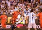 Tite sugere alternativa a final em pênaltis e exalta jogo coletivo do Chile