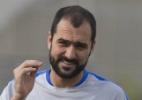 Danilo tem suspeita de fratura e deixa treino do Corinthians para hospital
