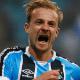 Autor de gol salvador do Grêmio ganha novo contrato até 2019