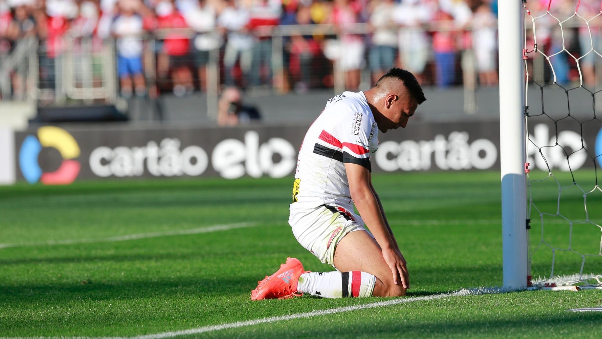 Chavez fica desolado após lance de São Paulo x Coritiba