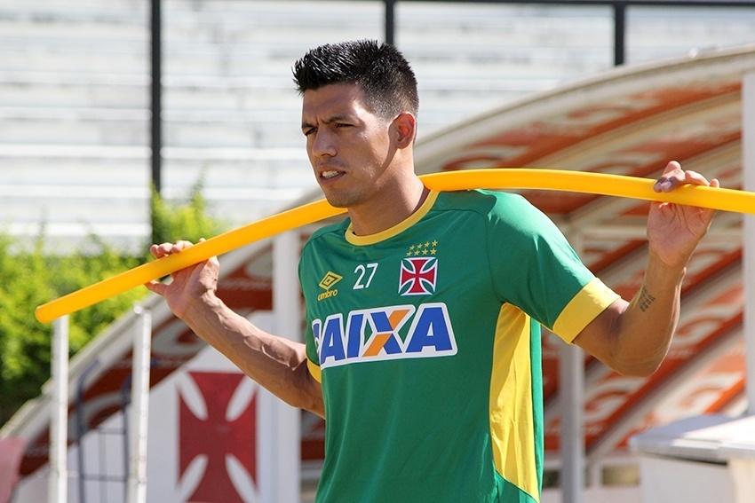 Julio dos Santos em treino do Vasco em São Januário