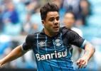 Renato Gaúcho pede calma a atacantes e dá força a H. Almeida no Grêmio
