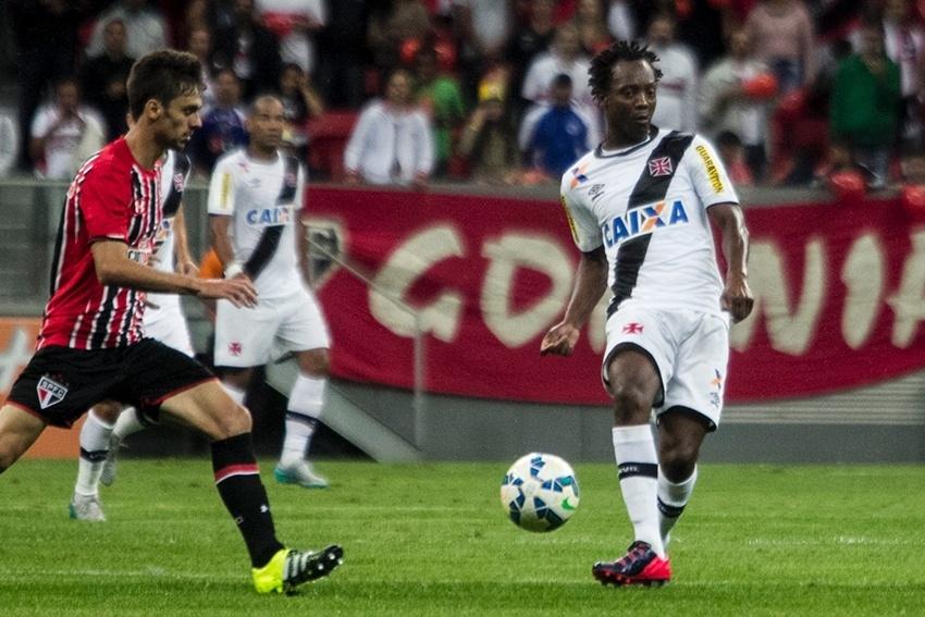 Andrezinho fez sua estreia, mas não conseguiu ajudar o Vasco na derrota para o São Paulo