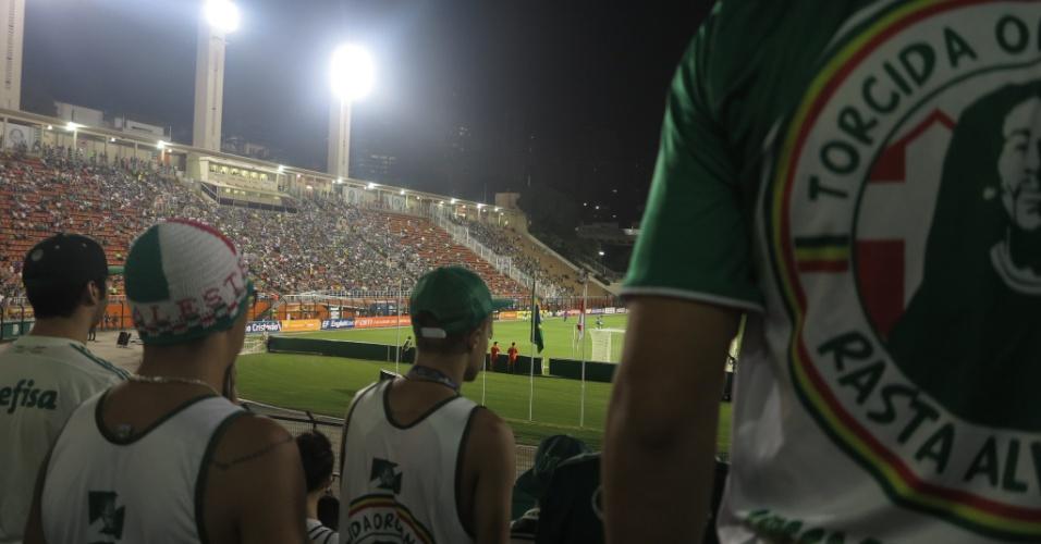 Torcida do Palmeiras no Pacamebu em duela contra o São Bento