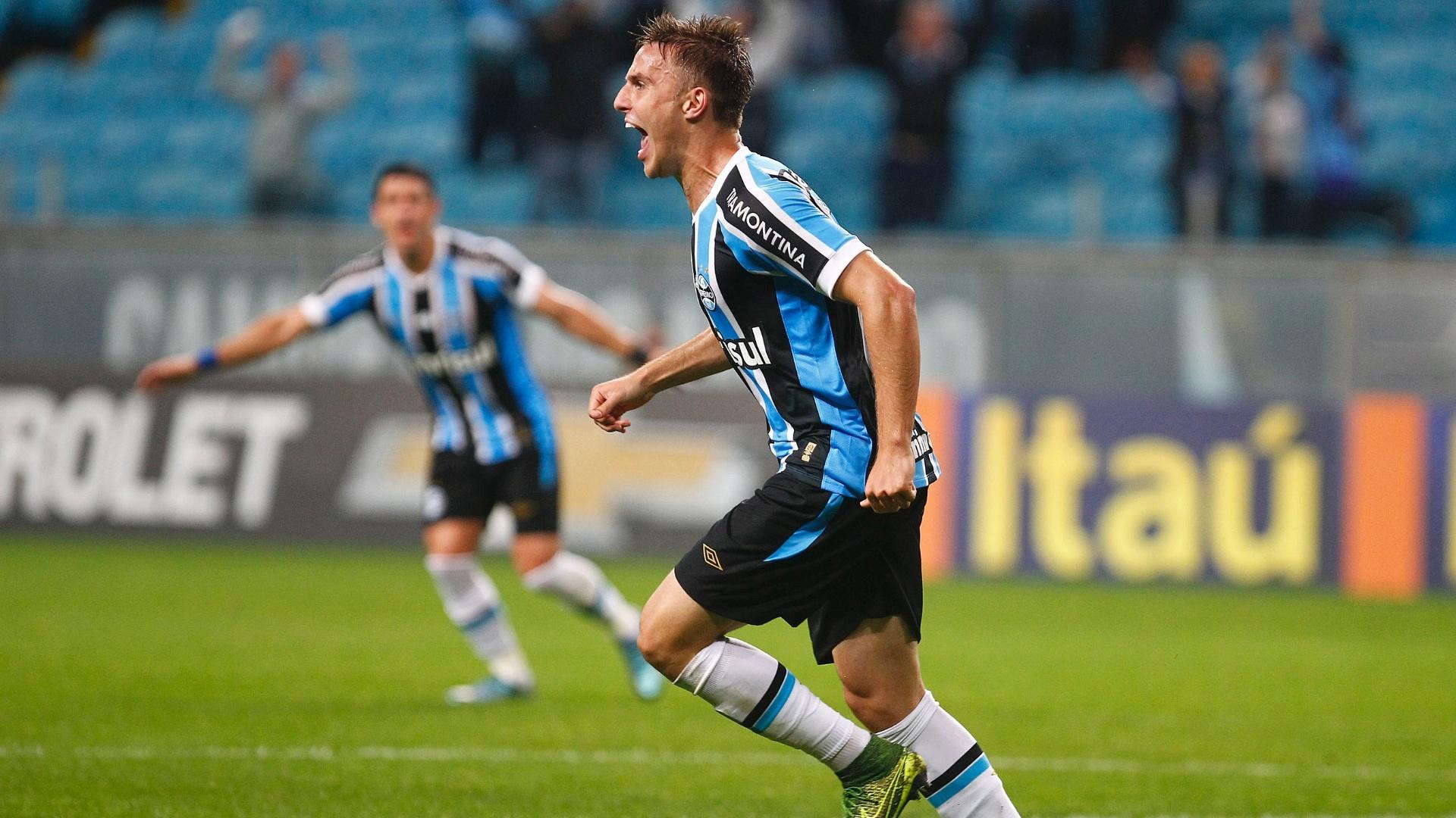 Bressan abre o placar para o Grêmio contra o Santos em partida válida pela 30ª rodada do Campeonato Brasileiro