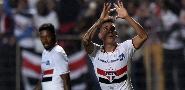 Racing pode atravessar Boca e far� oferta ao S�o Paulo por Centuri�n