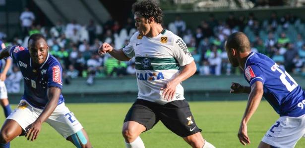 Kleber jogou apenas uma partida pelo Coritiba, contra o Cruzeiro