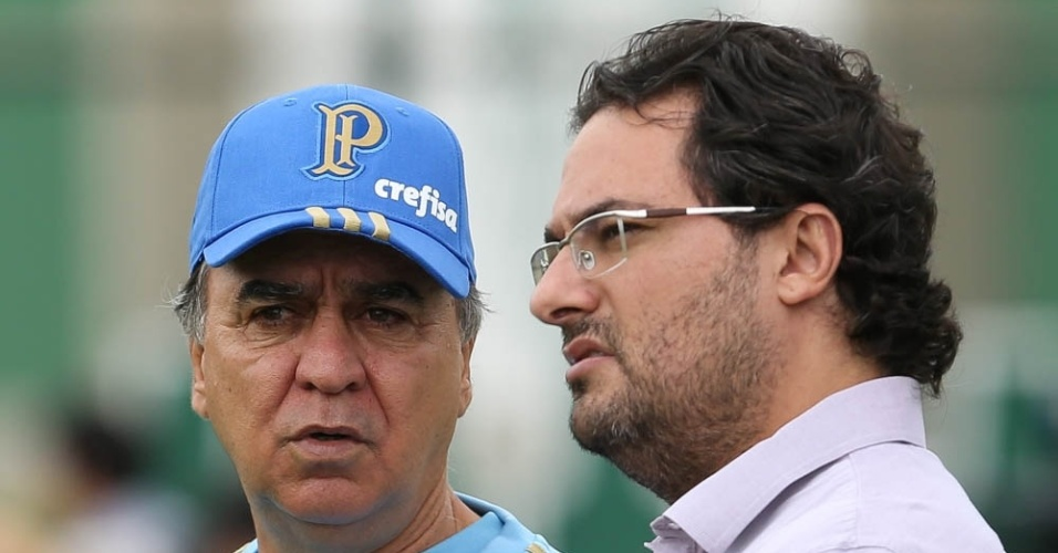 Marcelo Oliveira e Alexandre Mattos durante treino do Palmeiras na Academia de Futebol