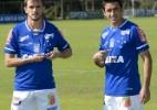 Lucas e Robinho são apresentados no Cruzeiro e negam atritos no Palmeiras