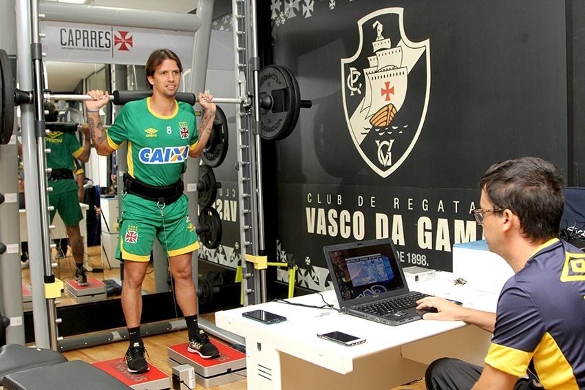 Diguinho realiza avaliações médicas do Vasco em São Januário