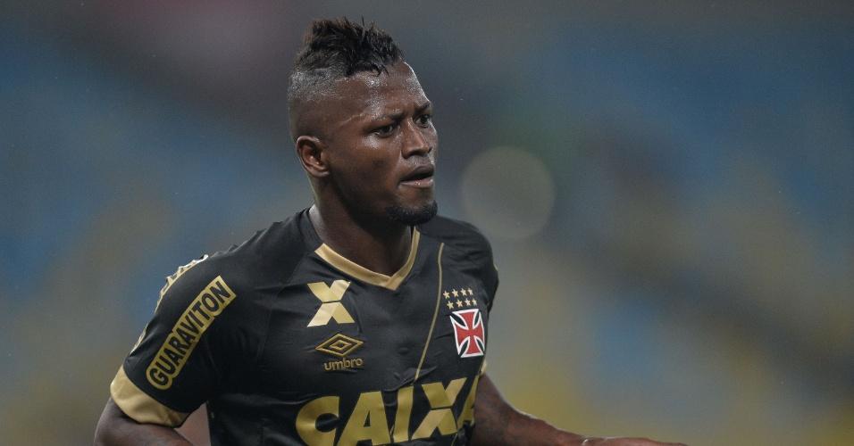 Riascos celebra após abrir o placar para o Vasco contra o São Paulo na Copa do Brasil