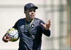 Sem Airton e Dudu Cearense, Botafogo treina com três atacantes