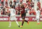 Em jogo polêmico, Atlético-PR vence Ponte e se aproxima do G-4 - Giuliano Gomes/Estadão Conteúdo
