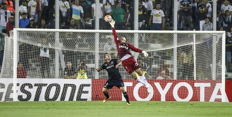 Última partida de Victor foi contra o Colo-Colo, no dia 10 de março, em Santiago
