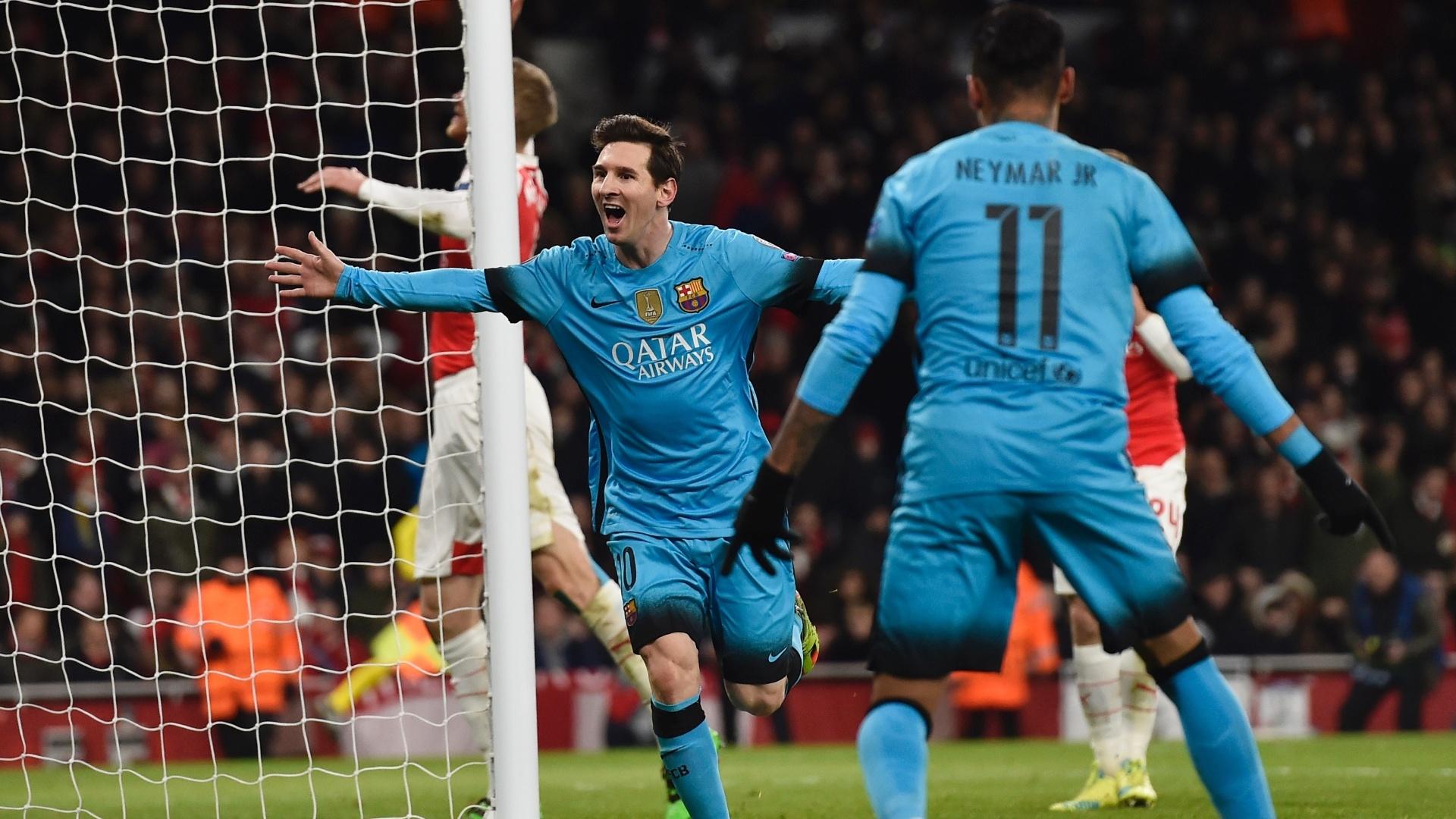Messi comemora gol na partida entre Arsenal e Barcelona pela Liga dos Campeões