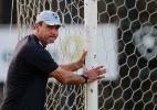 Ricardo Gomes lamenta gol anulado e diz que setor defensivo