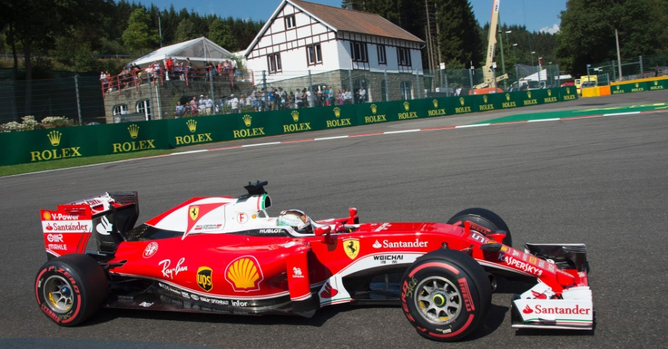Sebastian Vettel, da Ferraria, no treino de classificação do GP da Bélgica