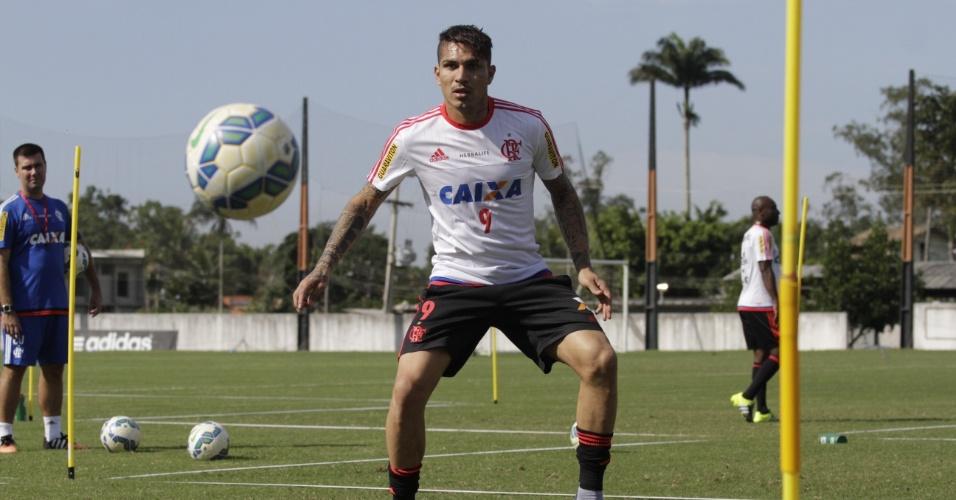 Guerrero teve dia intenso pelo Flamengo nesta terça: treino, apresentação e viagem ao Rio Grande do Sul, para jogo contra o Internacional