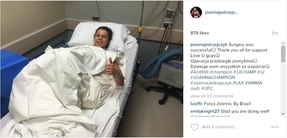 Joanna Jedrzejczyk posta foto depois de cirurgia na mão