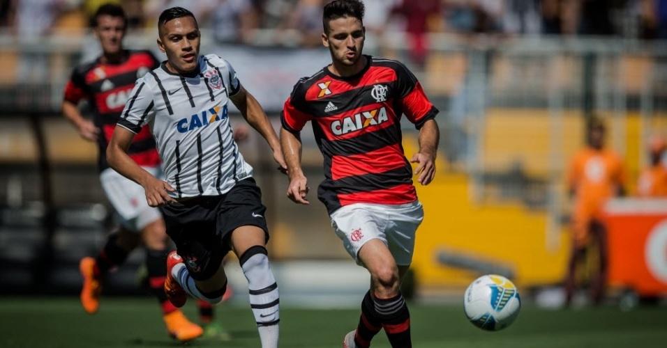 Corinthians e Flamengo disputam equilibrada decisão do título da Copa São Paulo, no Pacaembu