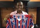Bahia oficializa a contratação do lateral direito Tinga, do Grêmio