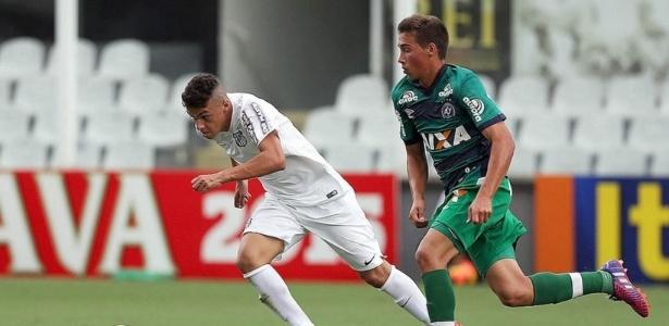 José Cleberton, que recentemente deixou o Santos, é um dos nomes a caminho do Corinthians