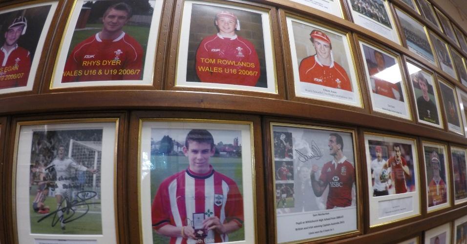 Painel de ex-alunos da Whitchurch High School, em Cardiff, tem Gareth Bale, jogador do Real Madrid, e Sam Warburton, capitão da seleção de rúgbi do País de Gales, como destaques.