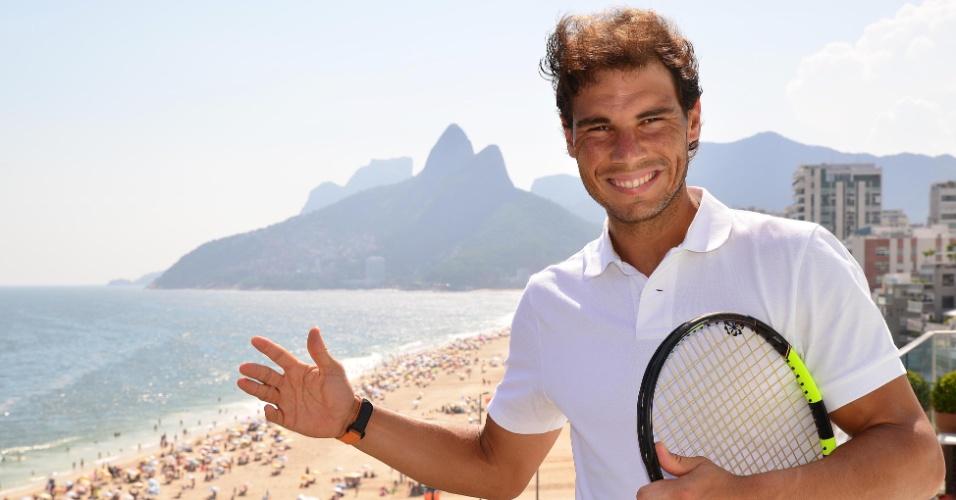 Rafael Nadal posa para foto no Rio de Janeiro antes da estreia no Rio Open