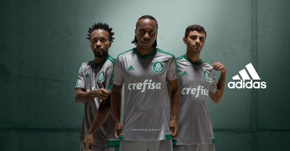 Arouca revela novo uniforme do Palmeiras