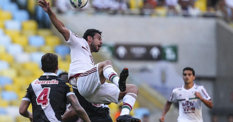 Fred em ação durante o clássico Fluminense e Vasco, no Maracanã