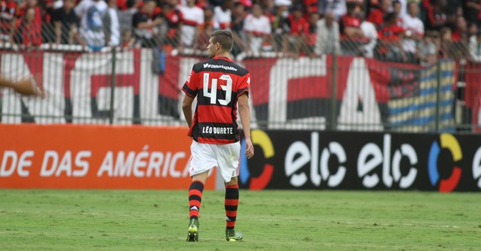Léo Duarte agradou ao substituir Wallace na estreia do Flamengo no Brasileirão