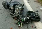 Lutador do UFC é lançado a mais de 70m em acidente e moto fica destruída