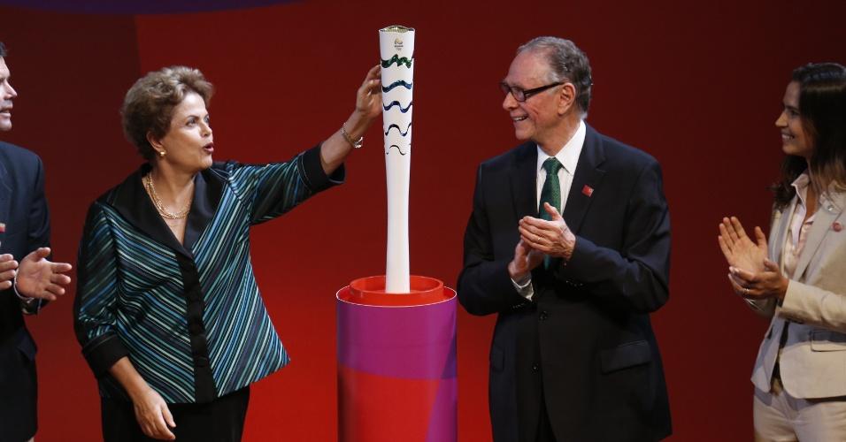 Presidente Dilma Rousseff e o presidente do Comitê Rio-2016 Carlos Arthur Nuzman